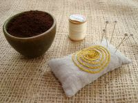 Coffee ground pin cushion