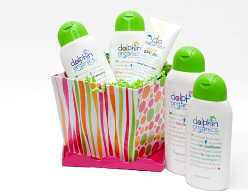 Dolphin Organics giftboxwithsunscreen cropped
